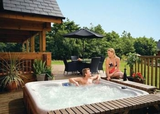 Hot Tubs At Anglesey Lakeside Lodges