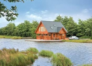 Lakeside Acommodation at Anglesey Lakeside Lodges