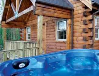 Find Log Cabins with Hot Tubs in Nottinghamshire